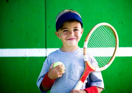 tennis boy elmevarzesh سن شروع ورزش در کودکان و همچنین جوانان و نوجوانان