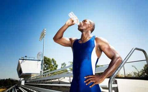 اهمیت آب در  تغذیه ورزشکاران