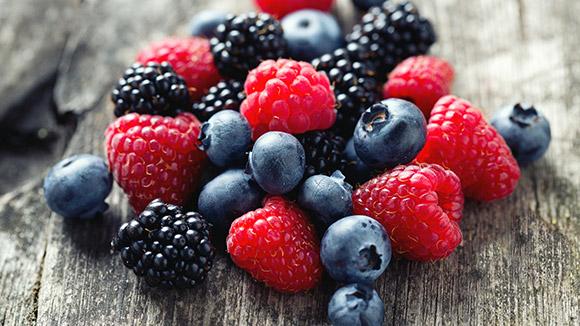 Berries معرفی بهترین مواد غذایی عضله ساز و همچنین چربی سوز
