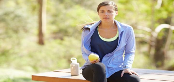 Eat 14 720x340 بعد از تمرینات اسپورت و ورزشی چه بخوریم و همچنین به چه مقدار و اندازه و میزان مایعات مستلزم و نیاز داریم؟