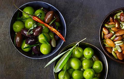 12 قانون غذایی برای سلامت تیروئید که باید رعایت کنید