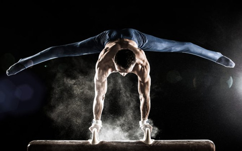 آیا با تمرینات بدون وزنه هم میتوان عضله ساخت؟ چگونه؟