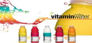 چرا آب ویتامینه گزینه خوبی برای ورزشکاران و اشخاص عادی نیست؟
