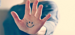 9 علائم که ناخن و دست در مورد سلامت یا بیماری به شما می گویند