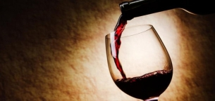 مصرف مشروبات الکلی چه تأثیری بر فعالیت ورزشی دارد؟