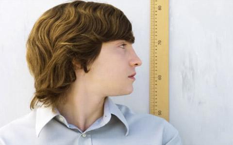 چه عواملی در افزایش قد یا کوتاهی قد تأثیر دارند؟