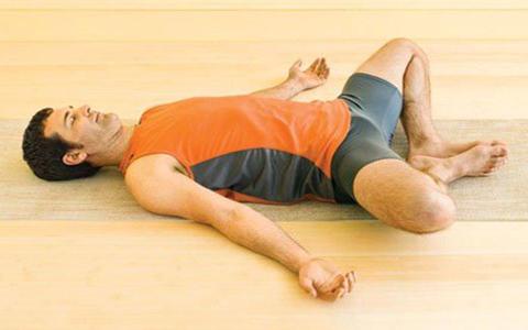 photo 2015 10 19 23 04 07 آموزش حرکات یوگا جهت کاهش استرس و همچنین افزایش اقتدار و قدرت