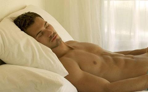 خواب مناسب چه تأثیری بر تمرینات و عضلات دارد؟