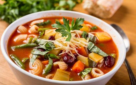 سوپ چگونه باعث می شود به راحتی وزن کم کنید؟
