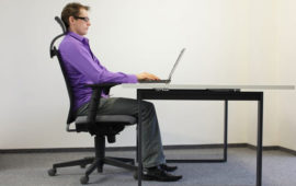 راهنمای انتخاب میز و صندلی ارگونومی
