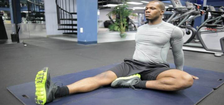 stretching exercises men 720x340 تمرینات کششی جهت گرم کردن بدن