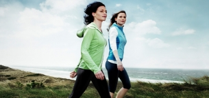 6 شیوه تقویت عضلات شکم هنگام پیاده روی