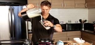 12 شیک پروتئین برای حداکثر عضله سازی بعد از تمرین